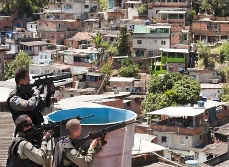 Com rotina de tiros, ocupação do Complexo do Alemão faz 5 anos