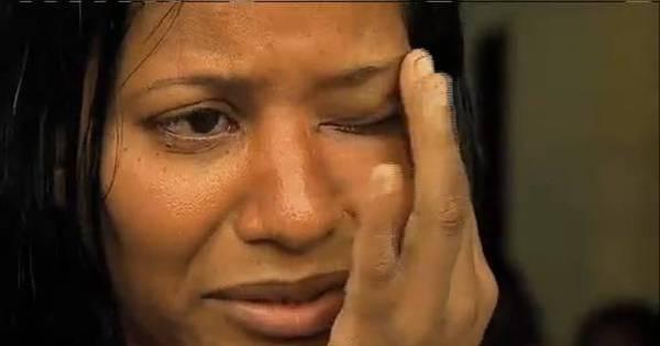 Fuzilados em carro: mãe diz que filho estava vivo e PM negou socorro