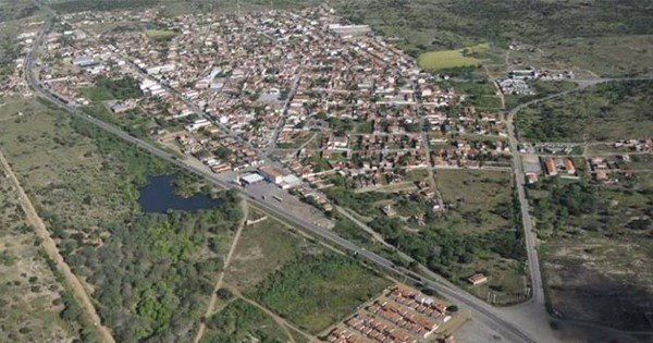 Bandidos invadem casa e executam casal no interior da Bahia ...