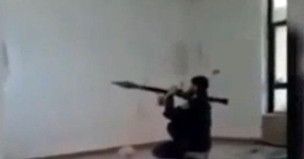 Terrorista atrapalhado: soldado do Estado Islâmico se explode ao ...