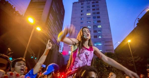 Após protestos, governo suspende reorganização escolar em São ...