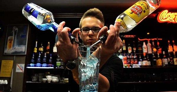 Turista sofre envenenamento por álcool e morre após consumir ...