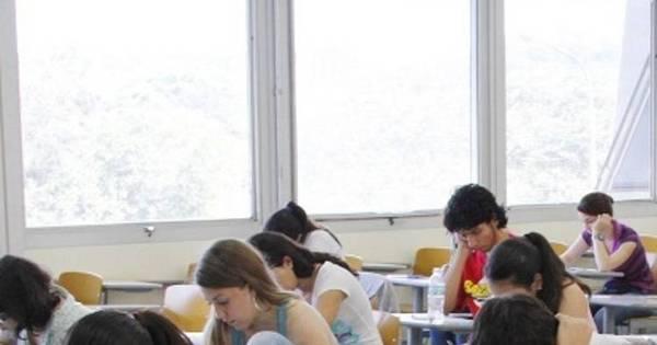 Ministério da Educação divulga hoje a lista dos estudantes que ...