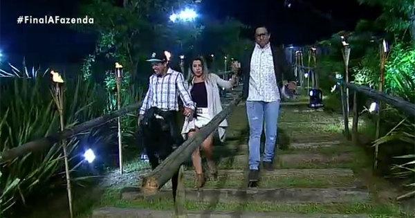 Peões reencontram os familiares após três meses confinados em A ...
