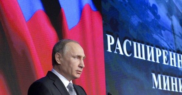Putin confirma que Rússia dá apoio às tropas de Assad na Síria ...