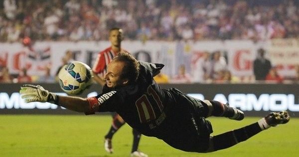 Rogério Ceni se despede com gol diante de quase 60 mil ...