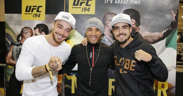 Caio Castro e Felipe Titto tietam José Aldo durante pesagem do ...