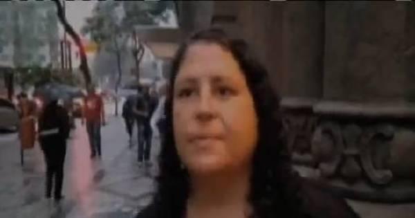 """Moradora de rua é presa em flagrante após ofensas racistas: """"Odeio ..."""