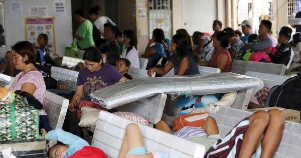 Tufão ameaça região central das Filipinas e força 750 mil pessoas a ...