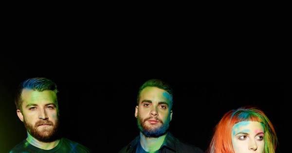 "Paramore anuncia saída do baixista Jeremy Davis: ""Realmente ..."