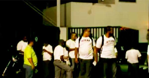 Rodoviários atrasam saída de ônibus das garagens em quatro ...