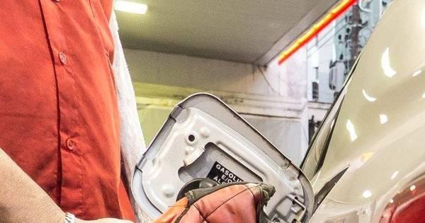 Preço médio da gasolina sobe de R$ 3,70 para R$ 3,76 a partir de ...