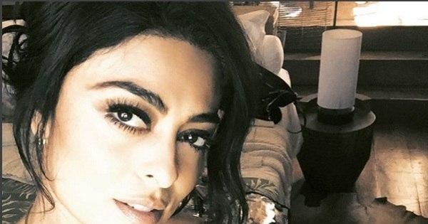 """Juliana Paes faz carão em selfie e fã pergunta: """"Você existe ..."""