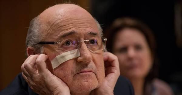Blatter se diz envergonhado e avisa que irá lutar contra suspensão ...