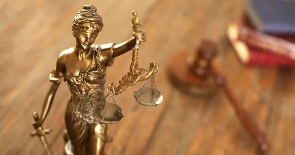Justiça mineira permite transexual a mudar nome e sexo no RG ...