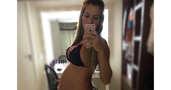 Grávida de sete meses, ex- BBB Adriana deixa modéstia de lado ...