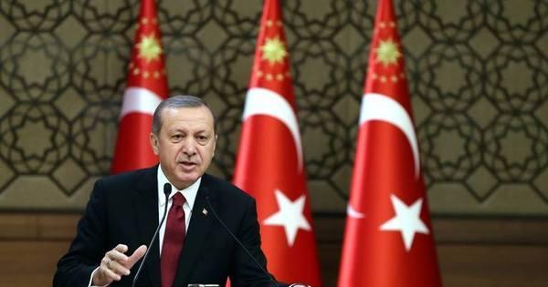 Presidente turco diz querer encontrar Putin após caça russo violar ...