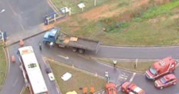 Cinco pessoas morrem em acidente entre caminhonete e ônibus no ...