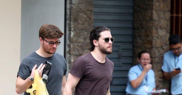 Jon Snow está vivo e andando pelas ruas do Rio de Janeiro - Fotos ...