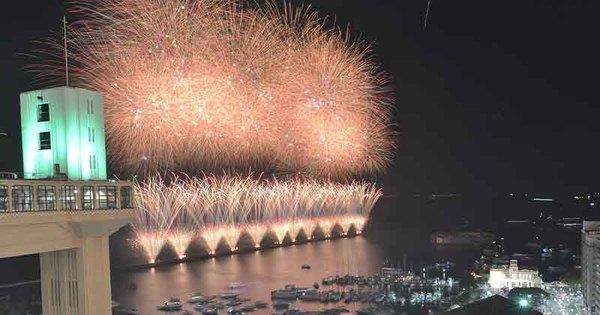 Veja imagens da celebração do Ano-Novo em Salvador - Fotos - R7 ...