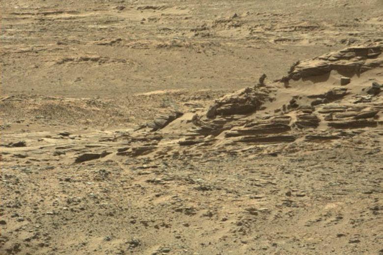 NASA divulga fotos de figuras misteriosas em Marte ...