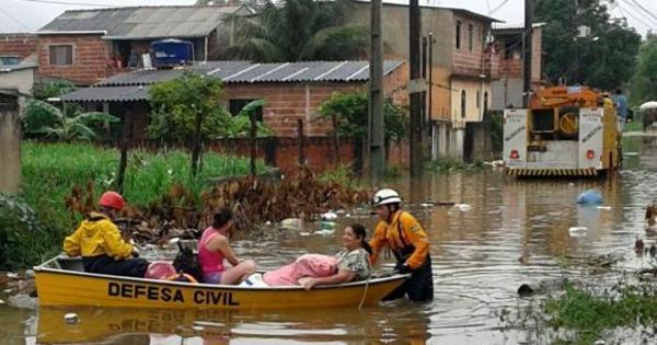 Defesa Civil desocupa 300 casas em Angra dos Reis após chuva ...