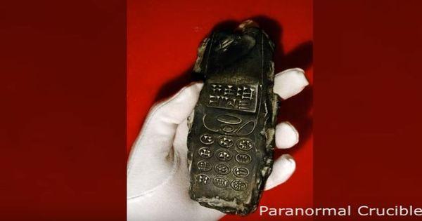 Bizarro: vídeo afirma que arqueólogos acharam celular com mais de ...
