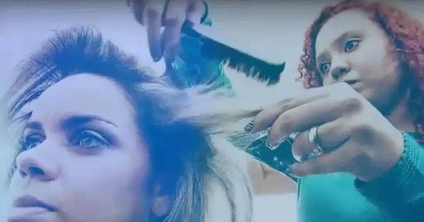 Impressionante! Mulher cega se torna cabeleireira e faz sucesso no ...
