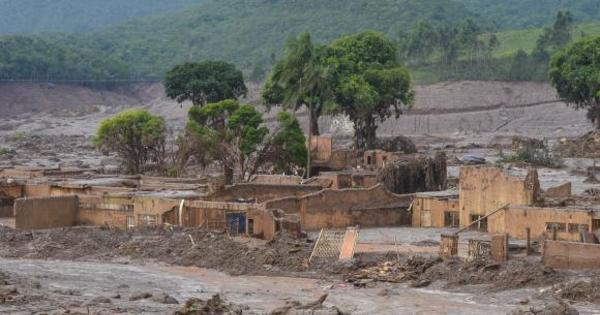 Vale e BHP Billiton cogitaram evacuar área de tragédia em 2012 ...