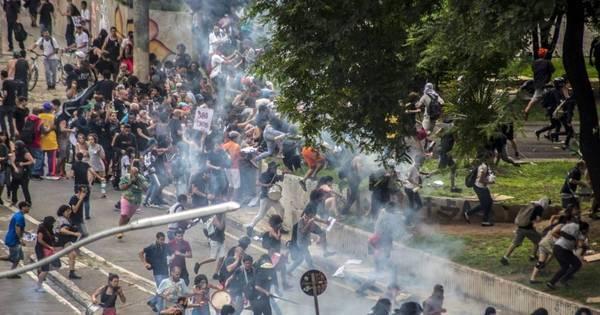 Depredação no centro de SP e bombas da PM na 23 de Maio ...