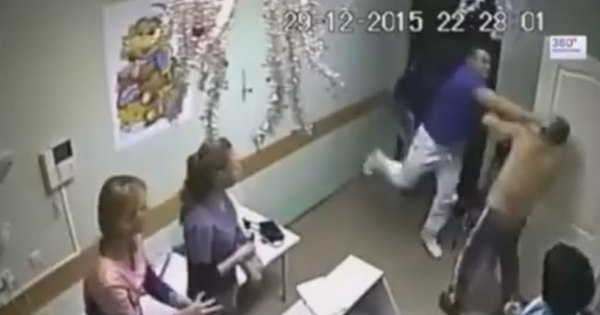 Vídeo chocante: médico russo mata paciente com um soco por ...