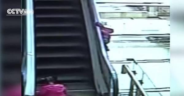 Menina de 3 anos morre após ficar pendurada e cair de escada ...