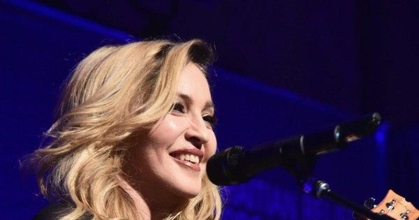 Após ser criticada por atraso em show, Madonna diz que é alvo da ...