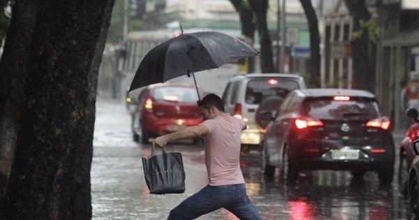 Ruas do Rio de Janeiro ficam alagadas após chuva - Fotos - R7 Rio ...