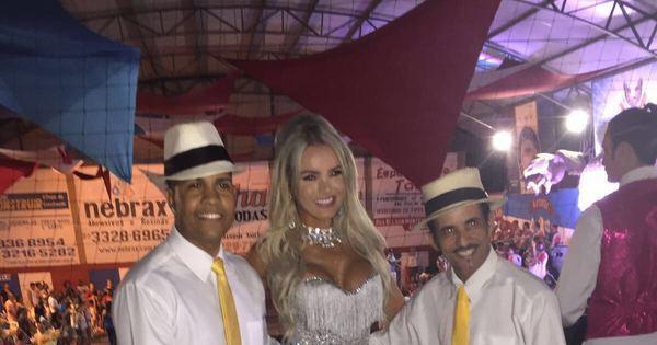 Thalita Zampirolli é coroada musa de escola de samba do Espírito ...
