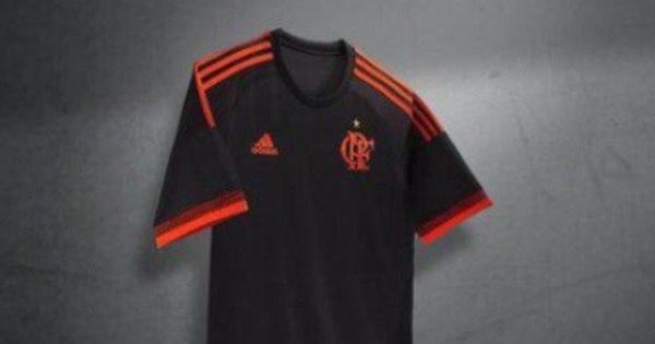 Lançamento de nova camisa do Flamengo gera polêmica - Esportes ...