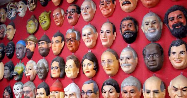 Cunha e Delcídio: veja os políticos que viraram máscaras de Carnaval
