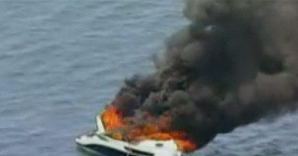 Lancha pega fogo na região da Marina do Bonfim, em Salvador ...