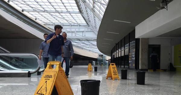 Teto do aeroporto de Confins já apresenta goteiras após reforma ...
