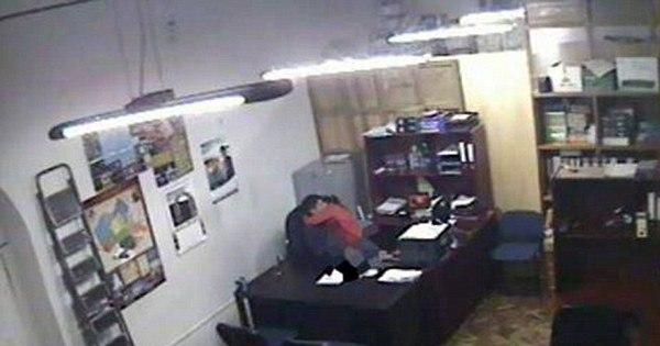 Escândalo sexual: funcionário público é filmado fazendo sexo em ...
