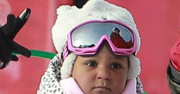 A bonequinha da foto acima é Laila, filha da atriz Sandra ...