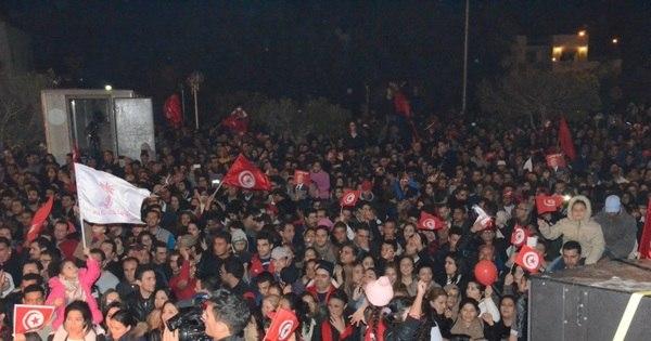 Tunísia declara toque de recolher em todo o país após protestos ...
