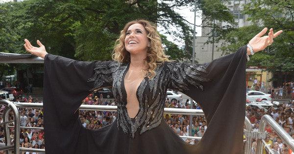 Daniela Mercury reúne multidão em São Paulo para celebrar ...
