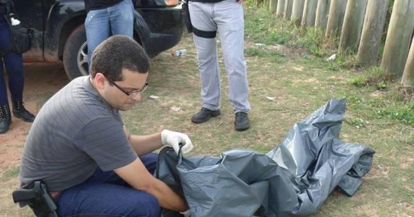 Casal encontra ossada humana durante passeio em reserva - Fotos ...