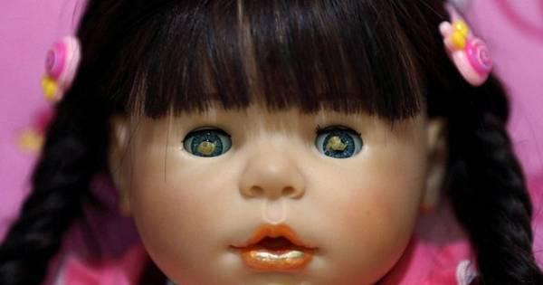 Bizarro! Bonecas vistas como criaturas sobrenaturais são tratadas ...