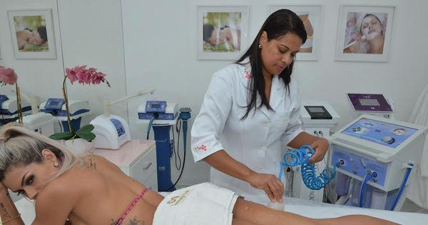 Janaina Santucci passa por tratamentos estéticos e reduz três ...