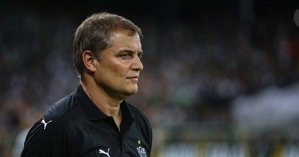 Diego Aguirre pede demissão do Galo após eliminação da Copa ...
