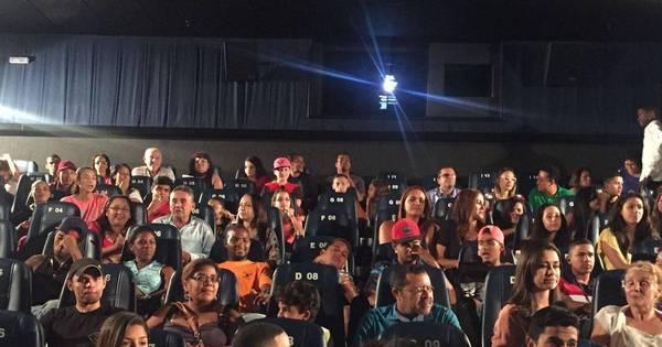 Paris Filmes divulga nota sobre a lotação dos cinemas na estreia de ...