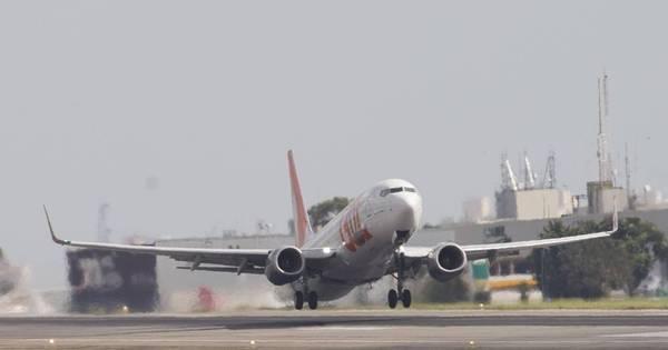 Pilotos e comissários decidem hoje se entram em greve - Notícias ...