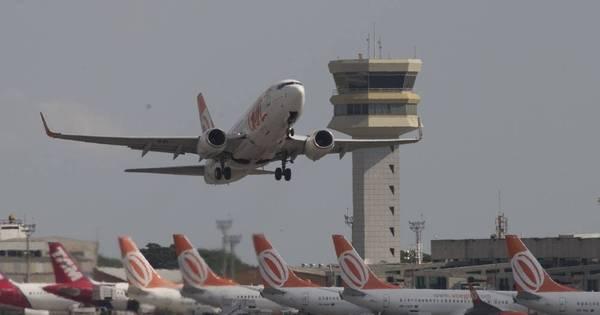 Pilotos e comissários decidem entrar em greve a partir da próxima ...